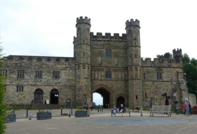 Battle Abbey Entrance