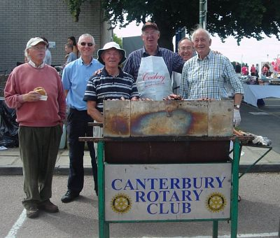 Picture: Bob (centre, in apron) with fellow Rotarians
