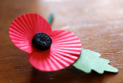 Canterbury Rotarians Assist Poppy Appeal 2016